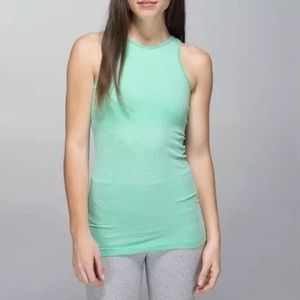 🍋 LULULEMON Seamlessly Covered Tank Top - size 10
